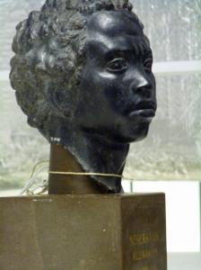 Kopf eines Afrikaners, 2 Jh. n. Ch., dunkler Marmor.