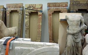 Antikensammlung Depot 2015 - Sarkophage und weiteres