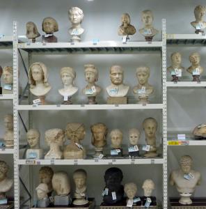 Antike Köpfe - Depot der Antikensammlung